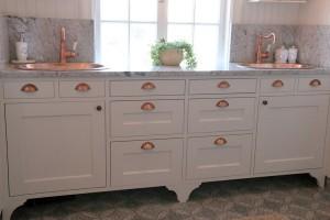 badrum platsbyggd möbel